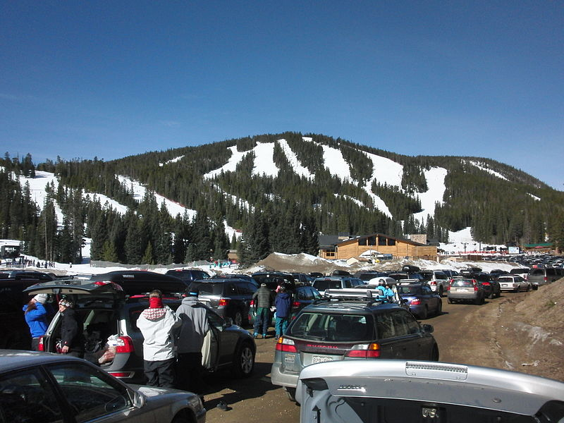 800px-Eldora_Mountain_Resort_view_from_the_parking
